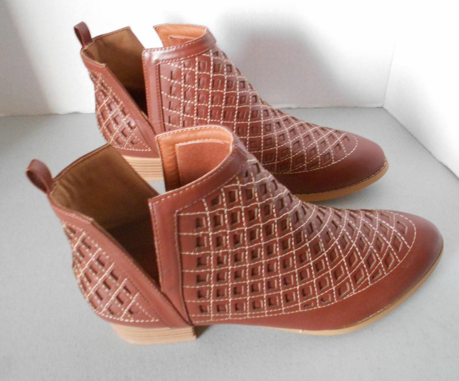 Women's Boots Olive Booties Laser Pattern