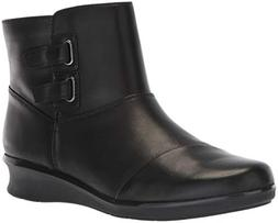 CLARKS Women's Hope Cody Fashion Boot, Black Leather, 070 M