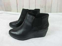Clarks women's size 11 Wide Black Leather Slip On Wedge Boot
